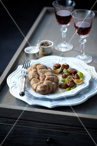 Kidneys with celery stalks and chestnuts