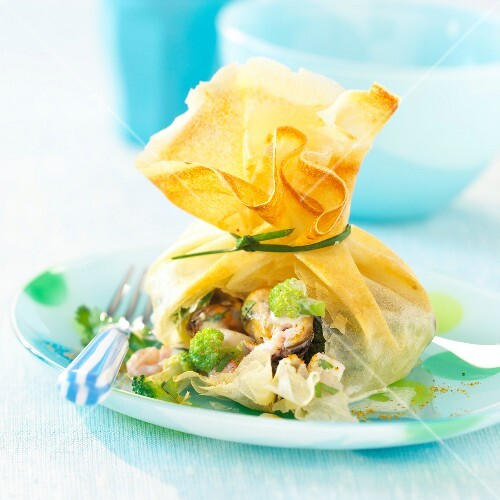 Seafood and broccoli filo pastry purse