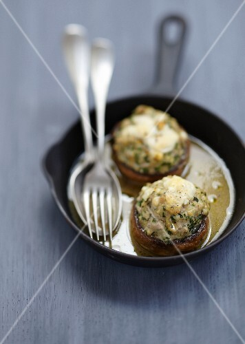 Mushrooms stuffed with veal and Creusois cheese