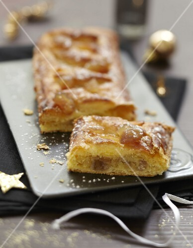 Almond and candied chestnut flaky pastry pie