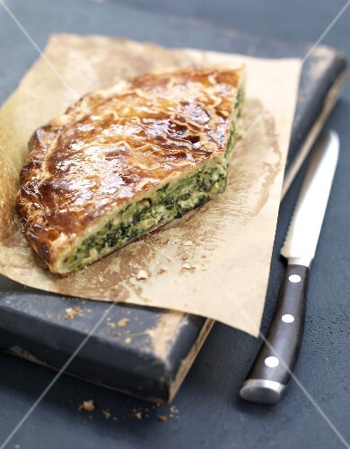 Fresh goat's cheese and spinach pie