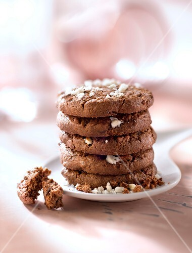Brazil nut and cocoa cookies