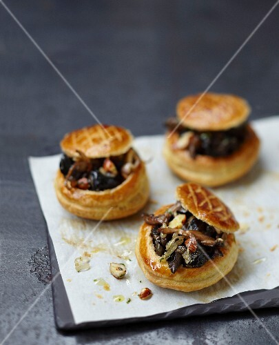 Pan-fried snails with hazelnuts in flaky pastry casings