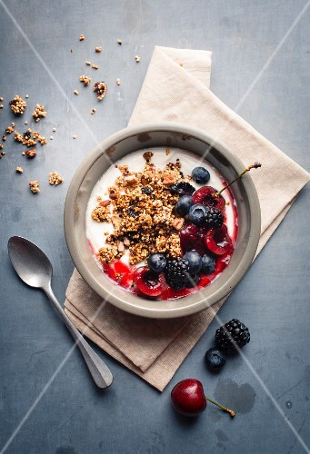 Fromage blanc with granola and summer fruit