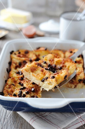 Oven-baked chocolate chip french toast
