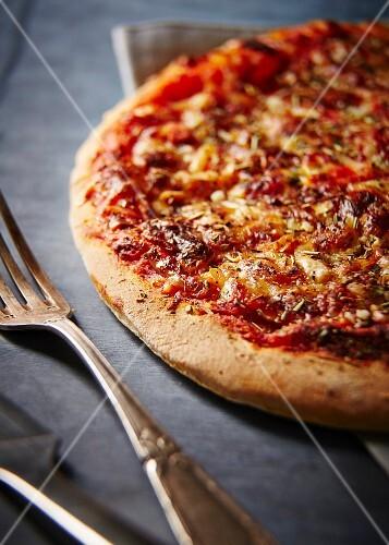 Tomato and pepper pizza