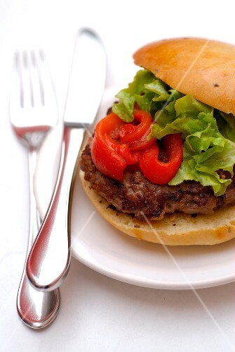 Grilled lamb and red pepper hamburger