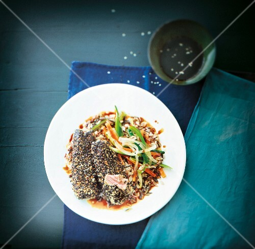 Saddle of tuna with in sesame seed crust with rice and vegetable