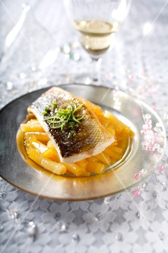 Sea bass fillet with caramelized salsifies