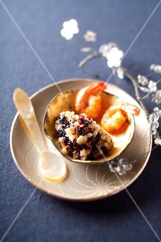 Cauliflower cauliflower with fish roe and shrimps