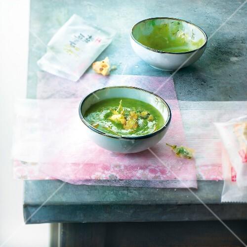 Cream of cilantro soup with tempuras