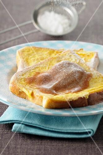 Brioche-french toast with milk jam