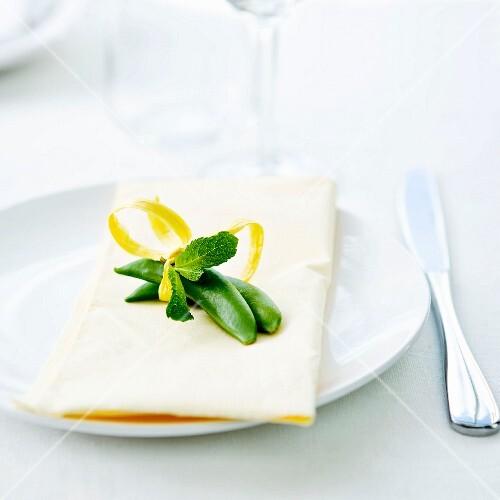 Pea,mint and lemon zest table decoration
