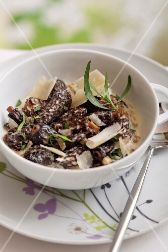Morels with tarragon and creamy parmesan sauce