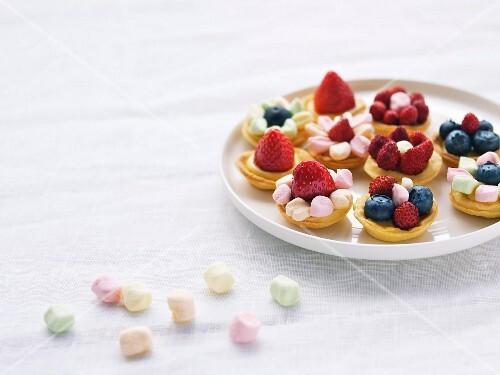 Fruit and marshmallow mini tartlets