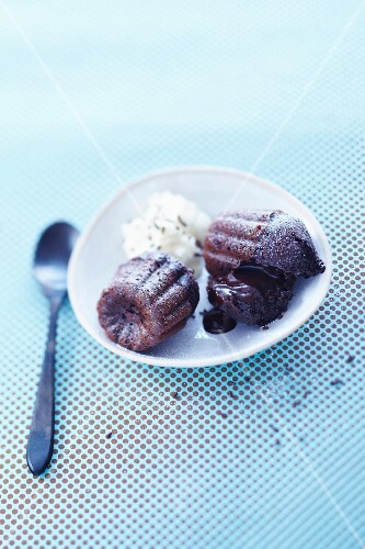 Runny chocolate Cannelés