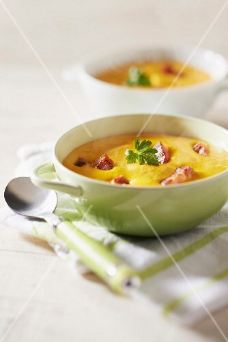 Normandy carrot soup with diced bacon