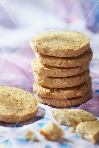 Dried apple shortbreads