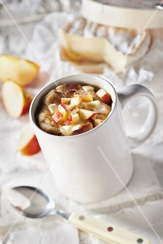 Apple-Camembert mugcake
