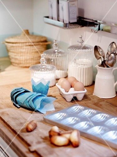 Making madeleines: Ingredients and utensils