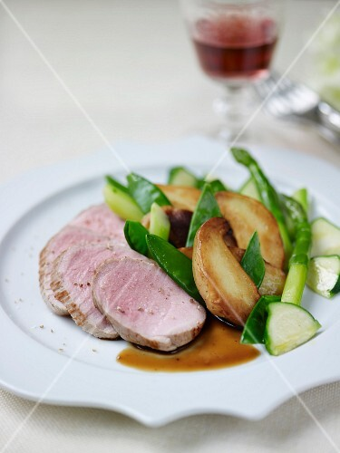 Veal loin fillet, mixed green vegetables and Grenalle potatoes