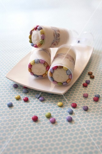 Smarties ice cream push cakes