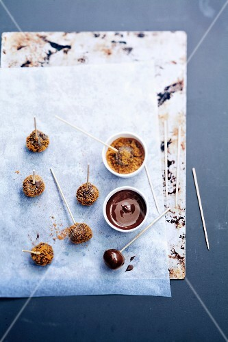 Speculos ginger biscuit,chocolate and orange pops