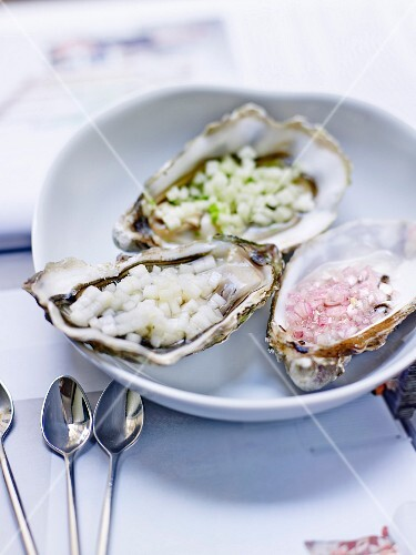 Hollow oysters with chopped shallots,apples and pears