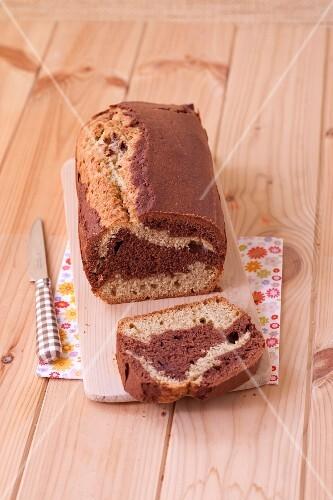 Vanilla-chocolate marble cake