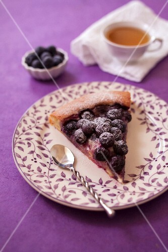 Tarte au sucre with blueberries
