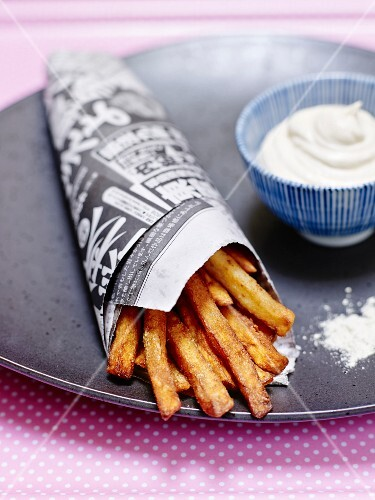 Chips with wasabi and mayonnaise with soy sauce