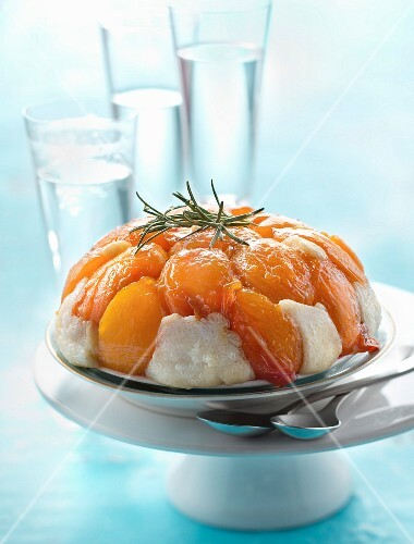 Tapioca and caramelized peach pudding
