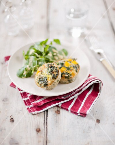 Small spinach and yellow pepper flan,purslane salad