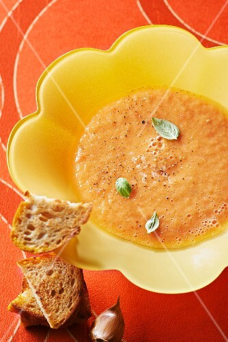 Melon and oxtail tomato soup