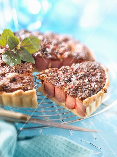Frankfurter sausage and cheese quiche