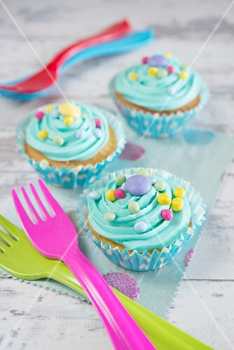 Blue lagoon cupcake