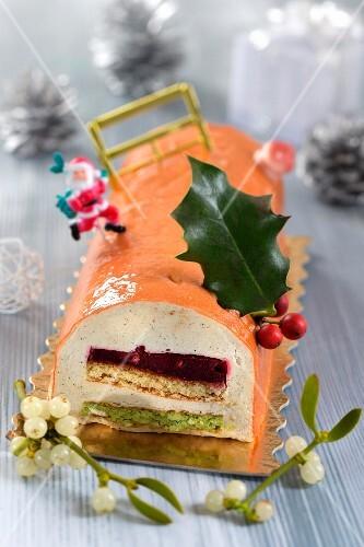 Christmas fruit log cake