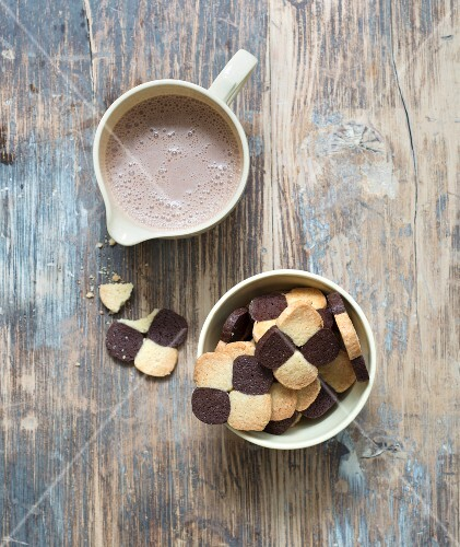Choco-coconut checkered cookies