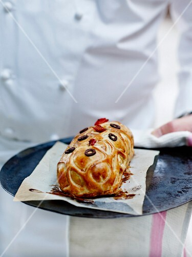 Lamb in pastry crust