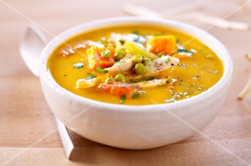 Réunion chicken and pea soup