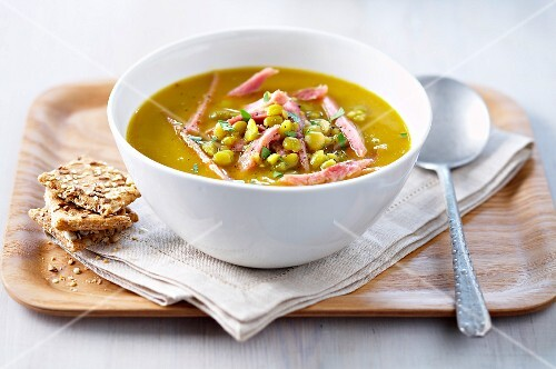 Canadian split pea and smoked bacon soup
