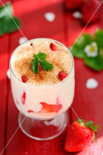 Strawberry tiramisu verrine