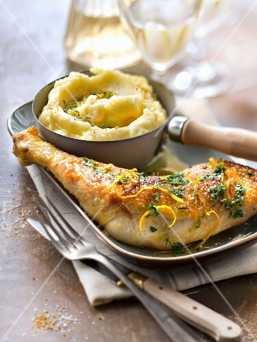 Chicken thigh with lemon and herbs
