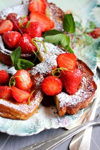 Strawberry and toffee brioche french toast