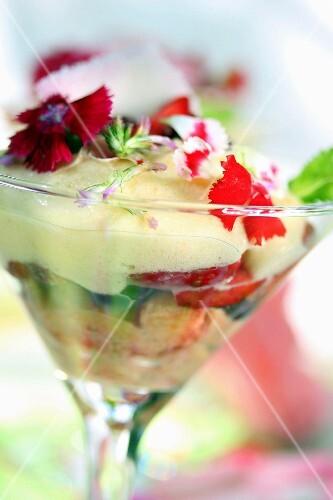 Strawberry-carnation tiramisu