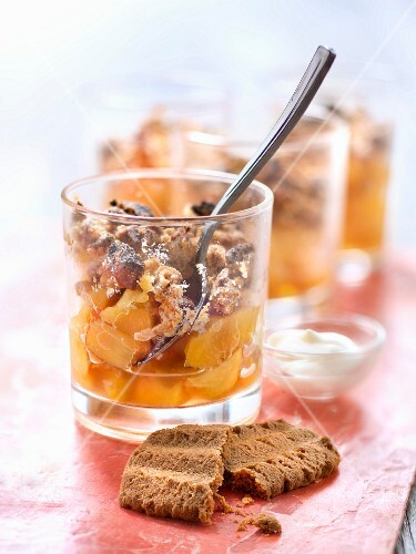 Peach and speculos ginger biscuit crumble