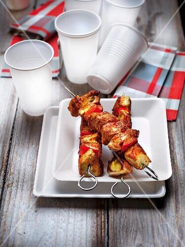 Tandoori chicken brochettes a la plancha
