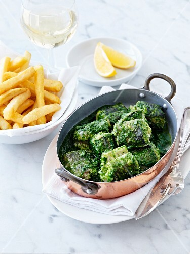 Eel with spinach and French fries
