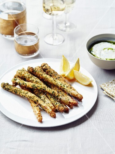 White asparagus breaded with herbs