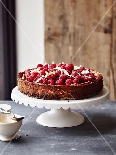 Coconut-raspberry and honey cheesecake